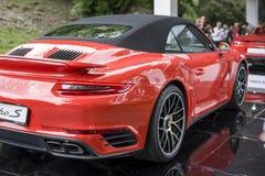TURIN, ITÁLIA - 9 de junho de 2016  um turbocompressor S de Porsche 911 na exposição na feira automóvel do ar livre de Turin Fotos de Stock