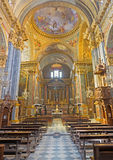 TURIN, ITÁLIA - 13 DE MARÇO DE 2017: A nave de di Santa Teresa de Chiesa da igreja Foto de Stock