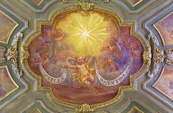 TURIN, ITÁLIA - 14 DE MARÇO DE 2017: O fresco do teto dos anjos com inscrição marianic do ` da estrela da manhã do ` do litania Foto de Stock