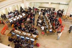 Turin, Italie, le 10 mars 2013 : Beaucoup de jeunes partecipating à Image stock