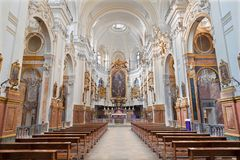 TURIN, ITALIE - 16 MARS 2017 : La nef du della baroque Madonna del Carmine de Chiesa d'église Image libre de droits