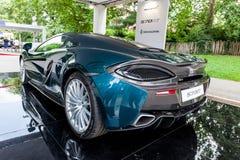 TURIN ITALIEN - JUNI 12, 2016: den nya McLarenen 570GT i ställningen Fotografering för Bildbyråer