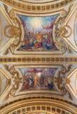 TURIN, ITALIEN - 14. MÄRZ 2017: Das Deckenfresko des Eucharistic Wunders durch Kirche Basilika del Corpus Christi durch Luigi Vac Stockbilder
