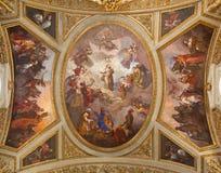 TURIN, ITALIEN - 14. MÄRZ 2017: Das Deckenfresko von Jungfrau Maria im Ruhm in Kirche Chiesa-dei Santi Martiri Stockbild