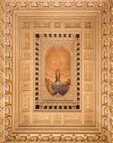 TURIN ITALIEN: Takfreskom?lningen av den obefl?ckade befruktningen och hj?rta av Jesus i sidokapellet av kyrkliga Chiesa di Santo royaltyfria bilder