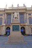 Turin-Marktplatz castello das Monument zum Bischof der sardinischen Armee Lizenzfreie Stockfotografie