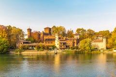 Turin Piedmont, Italien, 01 November 2017 Medeltida slott i Tur Royaltyfri Foto