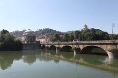 Turin. Pont Vittorio Emanuele ? par le PO. Images libres de droits