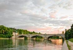 Turin (Torino), bro Umberto I och flod Po Royaltyfri Bild