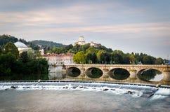 Turin (Torino), flod Po och Monte dei Cappuccini Arkivfoton