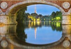 Turin (Torino), flod Po och vågbrytare Antonelliana Fotografering för Bildbyråer