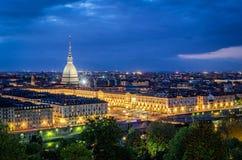 Turin (Torino), panorama élevé de définition avec la taupe Antonelliana Images libres de droits