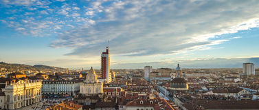 Turin (Torino), panorama från domkyrkaklockatornet Arkivfoto
