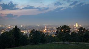 Turin & x28; Torino& x29; panorama från kullarna Fotografering för Bildbyråer