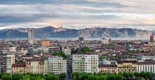 Turin (Torino), panorama med fjällängar Arkivbilder
