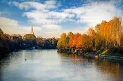 Turin (Torino), panorama med floden Po och vågbrytare Antonelliana Royaltyfria Bilder