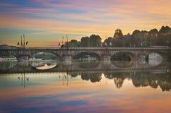 Turin (Torino), panorama med floden Po på skymning Fotografering för Bildbyråer