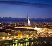 Turin (Torino), panorama med vågbrytaren Antonelliana Royaltyfri Bild