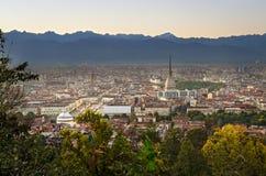Turin (Torino), panorama på solnedgången Fotografering för Bildbyråer
