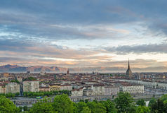 Turin (Torino), panorama på soluppgång Royaltyfri Fotografi