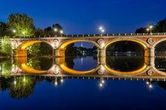 Turin Torino Ponte Isabella och flod Po på den blåa timmen Fotografering för Bildbyråer