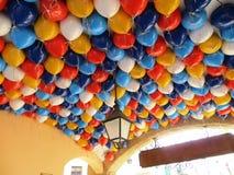Turism för semester för ferie för ljusa färgballonger färgrik Royaltyfri Fotografi