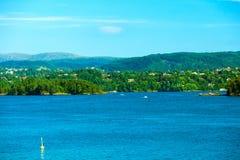 Turism och lopp Landskap och fjord i Norge Arkivbild