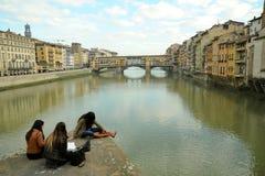 Turismo città in Italia, Firenze con il vecchio ponte Fotografie Stock Libere da Diritti