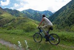 Turismo da bicicleta de montanha Fotografia de Stock