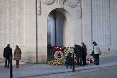 Turismo de la guerra en la puerta de Menin fotos de archivo libres de regalías