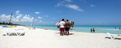 Turismo de la masa en Cuba Fotos de archivo