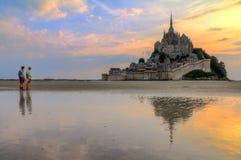 Turismo do Le Mont Saint-Michel fotos de stock royalty free