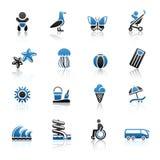 Turismo, reconstrucción y vacaciones, iconos fijados Fotos de archivo