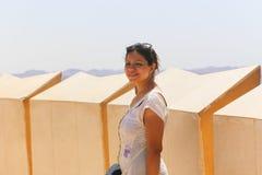 Turist överst av symbolet av Egyptier-sovjet kamratskap royaltyfri bild