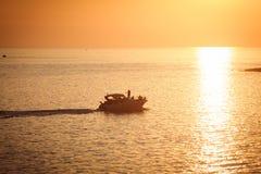 turist ηλιοβασιλέματος σκαφ Στοκ φωτογραφίες με δικαίωμα ελεύθερης χρήσης