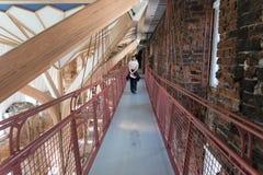Turist идет вокруг музея в Дании Стоковое фото RF
