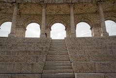 Turist- dragning för Roman Colosseum replikation Arkivbilder