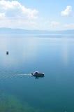 Turist- fartyg i Ohrid sjön Fotografering för Bildbyråer