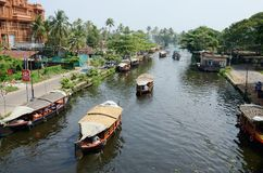 Turist- fartyg på Kerala avkrokar, Alappuzha, Kerala, Indien Fotografering för Bildbyråer