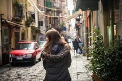 Turist- flicka i Naples fotografering för bildbyråer