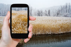 Turist- fotografier av Hudson River i vinter Arkivfoto