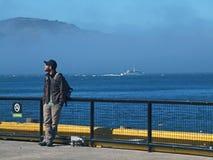 Turist i Alcatraz Arkivfoto