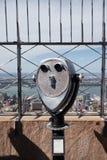 Turist- kikare i New York City Arkivfoto