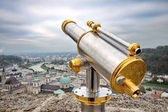 Turist- kikare i Salzburg Arkivbilder