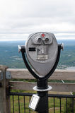 Turist- kikare på Mont-Tremblant, Quebec, Kanada Fotografering för Bildbyråer