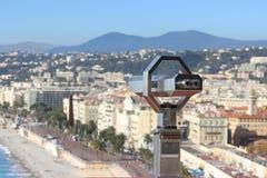 Turist- kikare på Nice Royaltyfri Foto
