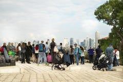 Turist- kruppa i gamla Jaffa, Tel Aviv arkivfoto