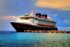 Turist- kryssningskepp Fotografering för Bildbyråer