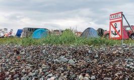 Turist- läger på kusten av det Barents havet, ` för inskrift`-kabel, Finnmark, Norge Arkivfoto