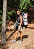 Turist med den stora ryggsäcken Arkivbild